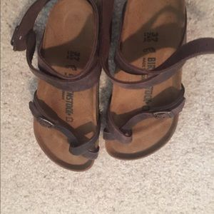 Brand New oiled leather  Birkenstock Yara Size 37